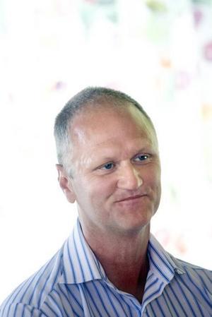 Inköpschefen Håkan Bergström ser flera fördelar med tjänsten. Mycket av kommunens administration försvinner samtidigt som konkurrensen ökar när flera företagare kan nås.