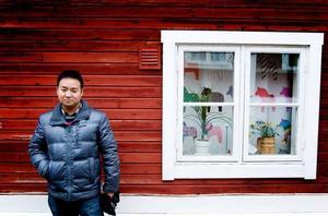 Innan Li Chen kom till Sverige förknippade han landet med bilindustrin - och vikingar.