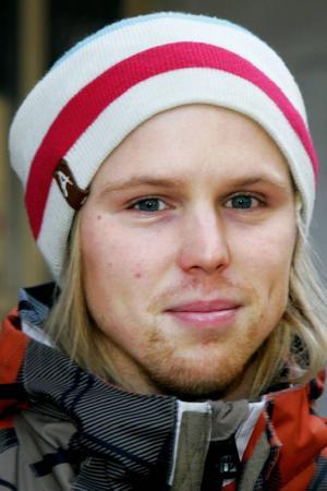 Niklas Eriksson, 24 år, Frösön:– Nej. Jag tycker att man kan slå sig ihop med andra. Ju större vi är tillsammans desto bättre blir det.