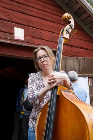 Anna Almrot från Sundsvall improviserade sig igenom stora delar av spelmansstämman.