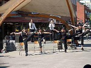 Showade. På scenen i Krysset uppträdde bland andra elever från Musikallinjen på Hammargymnasiet.