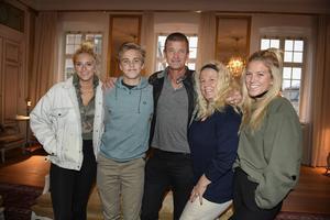 Penny, Phoenix, Jesper, Mia och Philippa Parnevik är stolta och glada över den tredje säsongen av