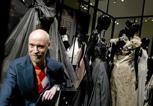 Designen Lars Wallin gästar Västmanlands-teatern i kväll.