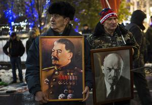 Svenska kommunistpartiet har stött både Stalin och Lenin.