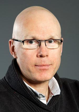 Jonas Hinnfors, professor i statskunskap, har studerat Socialdemokraternas utveckling i tio år.