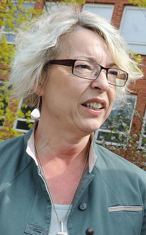 Rektor Eva Hildebrand har viss förståelse för elevernas reaktion, men hänvisar till att anslagen inte räcker till mer än 200 datorer.