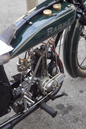 En gång i tiden var priset för denna svensktillverkade motorcykel, en Ragne, 760 kronor. Den gamla registreringsskyltens