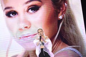Lisa Ajax med låten