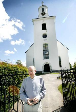 –På tisdag ska vi ha en minnesstund i kyrkan då man får en chans att börja bearbeta den inre biten, säger Jan-Erik Isaksson, kyrkoherde i Hedesunda.