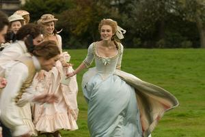 Tidens snackis. Keira Knightley som stilikon och skandal i 1700-talets England.
