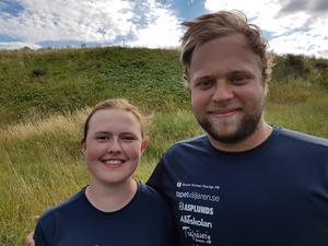 Caroline Käck och Marcus Lindberg som nu kan titulera sig landslagsskyttar.