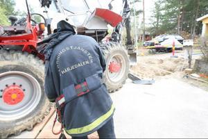 Räddningstjänsten fick börja sanera olycksplatsen från olja