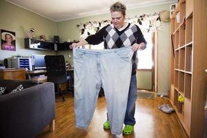 Svårt med hjälp. Arbetarbladets artikelserie, där bland annat Therese Kjellberg från Sandviken  intervjuades, visar att personer som gått ned mycket i vikt efter magsäcksoperationer har svårt att få hjälp med de konsekvenser som operationen ger.