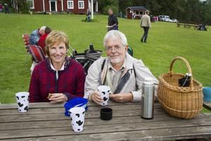 Doris och Leif Eriksson. Eriksson, från Flatmo, Näsviken, brukar gå på Norrbostämman och träffar mycket folk de känner där eftersom de bor i närheten.