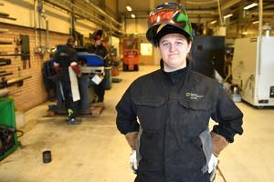 Ylva Back, från Grycksbo, trivs på svetsutbildningen och ska snart iväg till Piteå där hon ska praktisera.