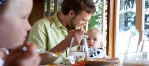 Barn som får kryddor i maten är mer matglada än barn som inte får det. Barn tycker om smaker precis som vi vuxna. Krydda mer uppmanar matinspiratören.