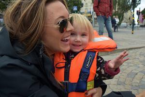 Peter Forsbergs sambo Nicole Nordin och dottern Lilly, tre år gammal, var med på första turen.