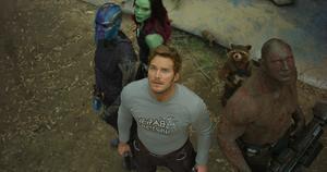 Peter Quill (Chris Pratt), Gamora (Zoe Saldana), Drax (Dave Bautista) och de andra på har återförenats för nya galaktiska äventyr. Pressbild.