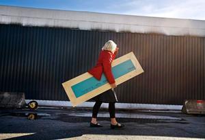 Solveig Ek blev ny ägare till en spegel under lördagens loppis på Ikea.