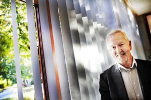 """Prisad forskare. """"Det kan bli hur stort som helst"""", säger Christer Sjöström, professor och forskare vid Högskolan i Gävle, vars företag utvecklat en ny materialteknik som är på väg att slå igenom på marknaden."""