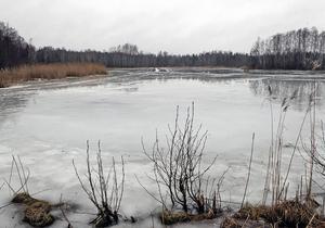 Rudsjön ligger fortfarande livlös - men det blir snart ändring på detta.    Foto: Nils-Olof Engberg