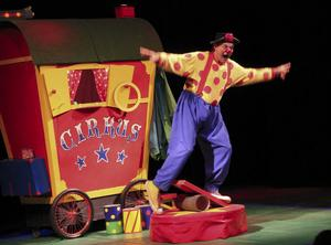 Tänk att det ska vara så svårt att hitta balansen i tillvaron. Clownen Daff-Daff hade  fullt sjå.