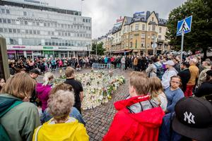 Den avspärrade platsen på Salutorget i Åbo där flera personer knivhöggs i en terrorattack. Foto: Robert Seger / TT