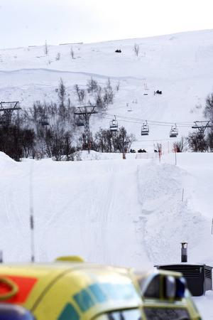Det var på eftermiddagen 6 februari 2012 när två pistörer på skidor skulle kontrollera ett offpist-område som lavinen gick.