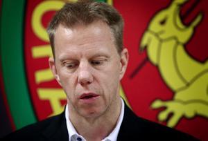 Bekymrad. Moratränaren Patric Wener fick se sitt lag förlora i Karlskrona.