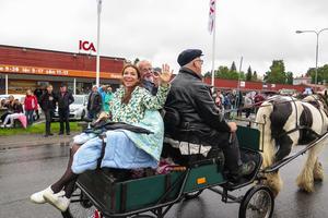 Med i ledarvagnen fanns även Joelprinsessan – journalisten och programledaren Annika Jankell från Stockholm.