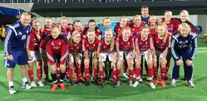 Här är Sandvikens F16-lag som kvalificerat sig för SM-kvartsfinal, ett av flera framgångsrika ungdomslag från klubben den här säsongen.
