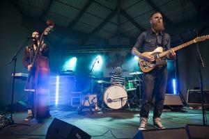 The Troubled Three bjuder på rockabilly.