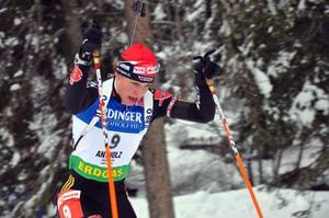 I början av säsongen gick det inte lika fort som vanligt för Magdalena Neuner som dragits med sjukdomar. Nu har hon dock fått upp farten och placerar sig högt även när hon skjuter fyra bom.