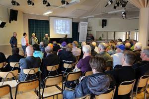 Ett 90-tal besökare kom för att lyssna på Karl Hedin när han pratade vargproblematik i Vemdalen.