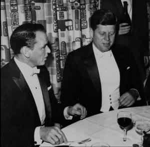 Frank Sinatra tillsammans med president John F Kennedy 1961.