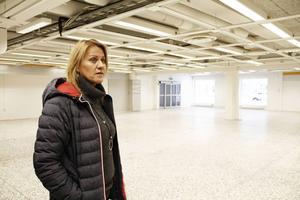 Pamela Warren vid Ockelbogårdar hade först hoppats på en galleria i Coops gamla lokaler. Nu verkar även planerna på en ny livsmedelaffär grusas.