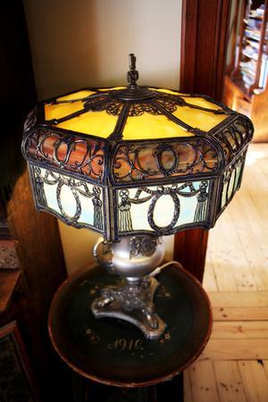 Amerikansk slagglaslampa hemma hos Peter och Marit Malmenby.