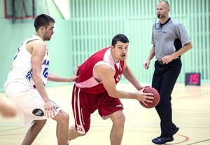 Miklos Szabo tog fyra returer och gjorde 17 poäng.