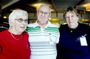 Aktiva väntjänstare. Förutom Inga Jansson, Sivert Mellin och Susann Tennemar finns ett 60-tal aktiva i föreningen Väntjänsten.