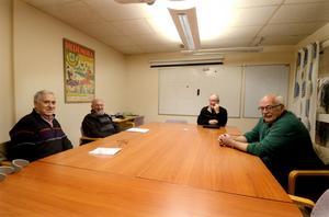 Erik Nilses, Ivar Josefsson, Rune Karlsson och Per Kåks vill arrangera ett möte där politikerna får ge sin syn på hur de vill utveckla turismen i kommunen.