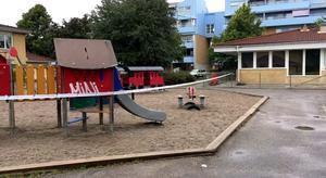 En explosion skedde på Välljärnsgatan på Bäckby under natten mot söndagen. Polisen har spärrat av området.
