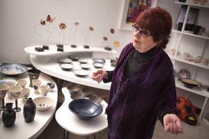 Hantverksyrken riskerar att bli hobbysysselsättningar tror keramikern Margot Öjemark.