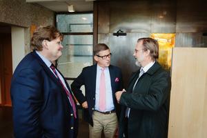 Advokaterna Fredrik Ungerfält, Lars Engström och Tomas Olsson.