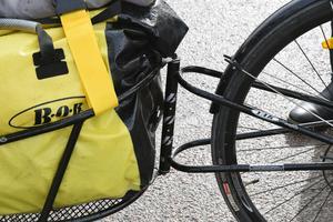 Vagnen är specialgjord för att funka bakom en cykel.