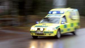 En person har förts till sjukhus efter en trafikolycka, som inträffade vid 14.30-tiden på onsdagseftermiddagen.