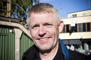 Sten Rolfhamre, 52 år, Järvsö:– Nej. Jag upplever det inte så. Jag äter lunch ute och då är den inte för hög. Men på kvällen kan den vara det.