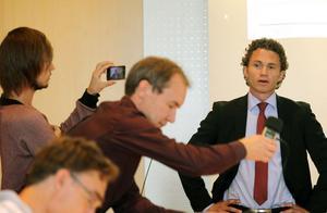 I höst kommer nya besked från Sandvik. Då handlar det om jobben på Sandvik Materials Technology och vilken väg VD:n Jonas Gustavsson väljer för att klara de ökade lönsamhetskraven.