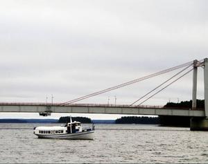 I kväll sjösätts M/S Tärnan och turerna på Ströms Vattudal kan sätta igång, med lite nya grepp och kanske en ny brygga.