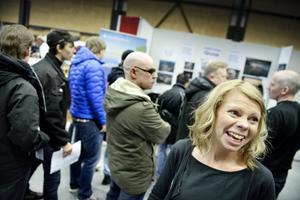Går under jorden. Det var kö till gruvnäringens monter. Anette Aidanpää berättar att tusentals jobb väntar i gruvorna runt om i landet de närmaste åren.