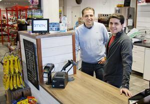 Hashem Alattar och affärspartnern Ahmad Awal tog över affären den första februari.